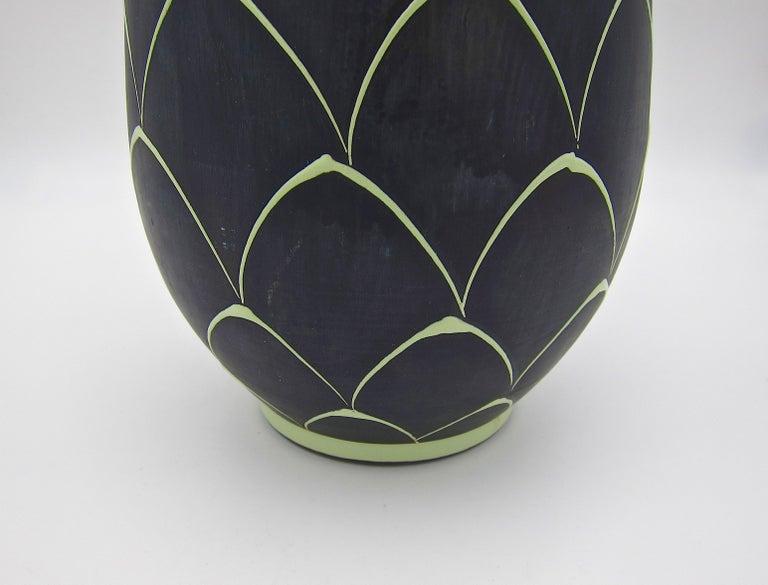 Norwegian Larholm Keramikk Scandinavian Modern Vase in Black and Green, 1950s In Good Condition For Sale In Los Angeles, CA