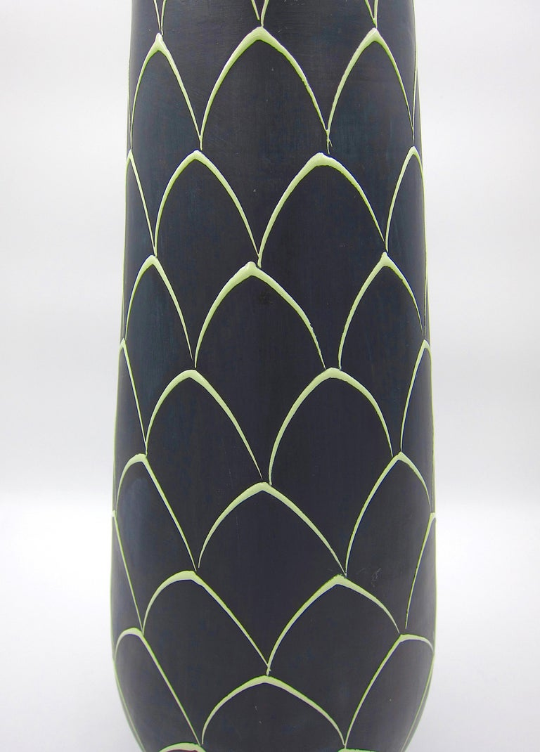 Norwegian Larholm Keramikk Scandinavian Modern Vase in Black and Green, 1950s For Sale 3