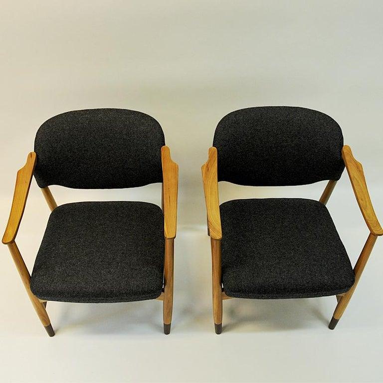 Norwegian Pair of Elm Tree Vintage Armchairs by Olav A. Hessen, 1950s For Sale 3