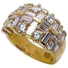Nova 18 Karat Yellow Gold Ring with 3.48 Carat Round and Baguette Diamonds