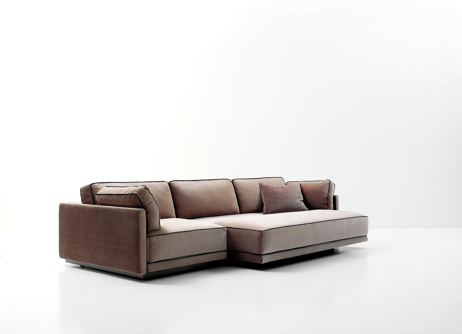 Nube Italia Avenue Sofa In Brown Fabric With Black Trimmings By