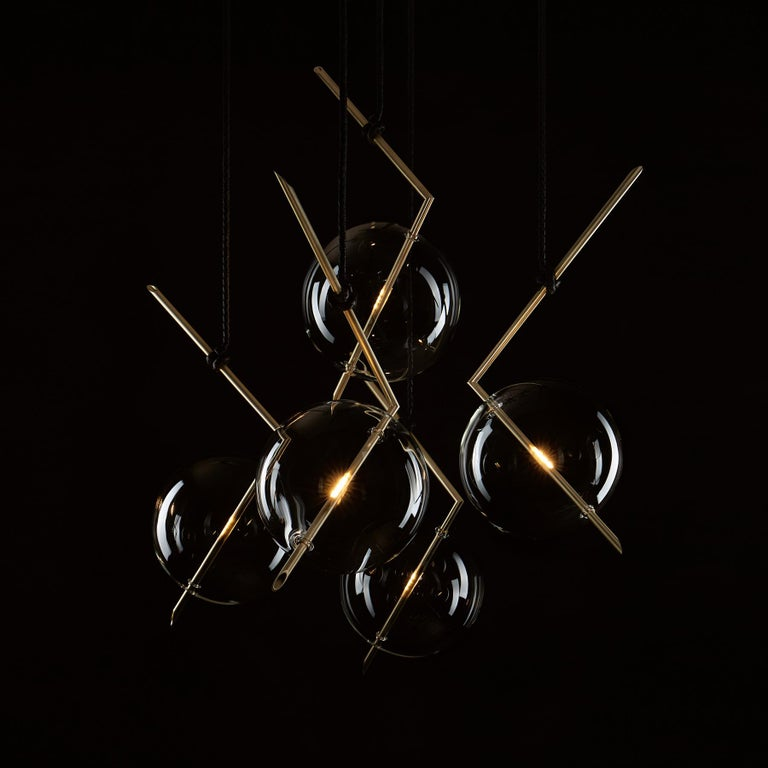 Minimalist Nuvola BOLD Five-Light Contemporary Chandelier Clear Blown Glass, Brushed Brass For Sale