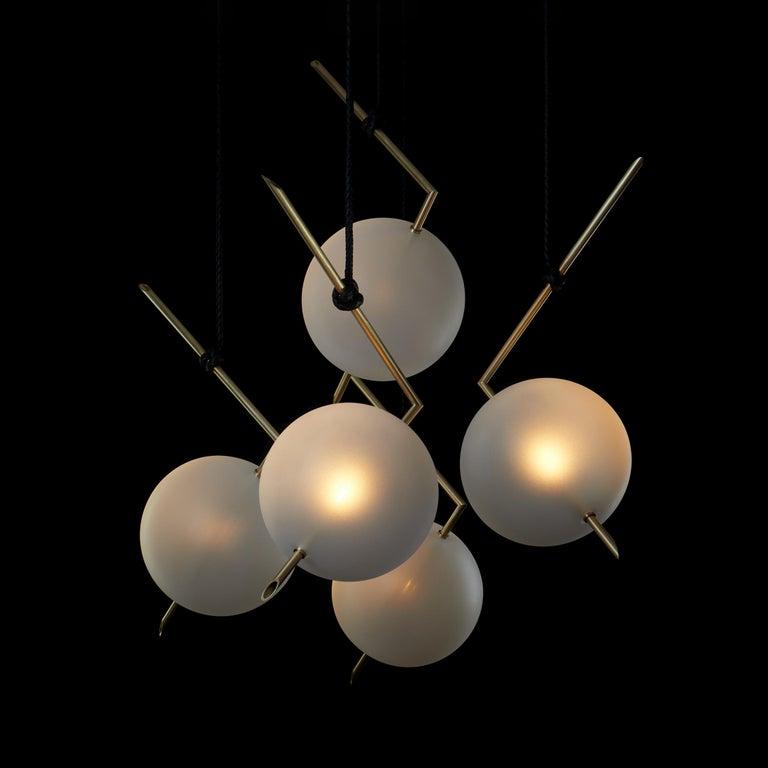 Minimalist Nuvola Stardust-White BOLD - Five Lights Chandelier Brass, Leather, Blown Glass For Sale
