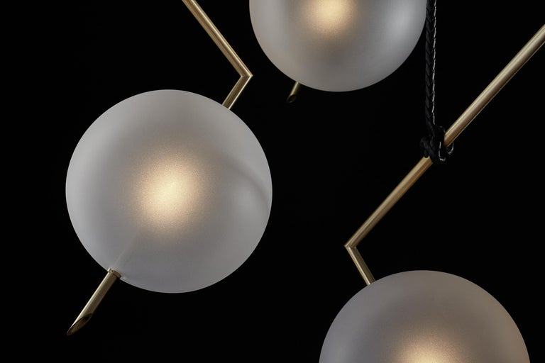 Minimalist Nuvola BOLD Three Lights Stardust White Contemporary Chandelier, Handblown Glass For Sale