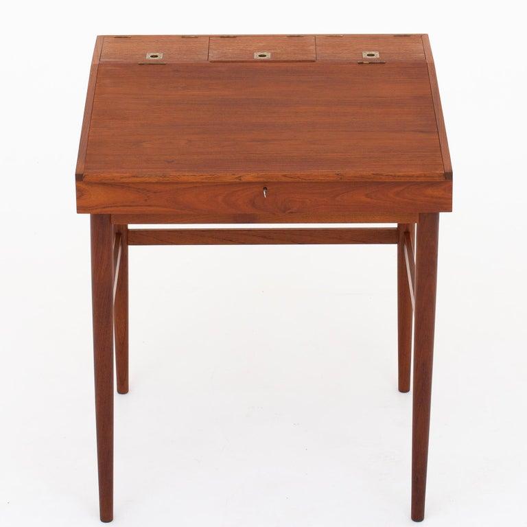 NV 40 Writing Desk in Teak by Finn Juhl For Sale 3
