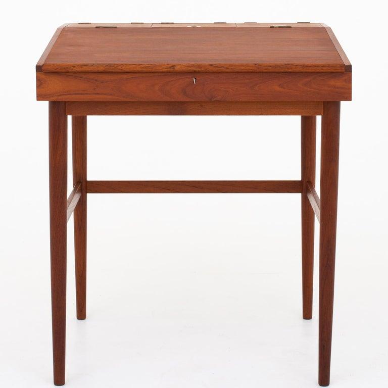 NV 40 Writing Desk in Teak by Finn Juhl For Sale 4
