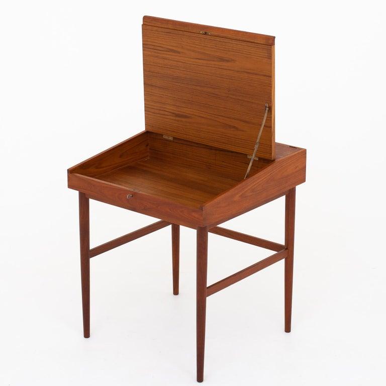 Scandinavian Modern NV 40 Writing Desk in Teak by Finn Juhl For Sale