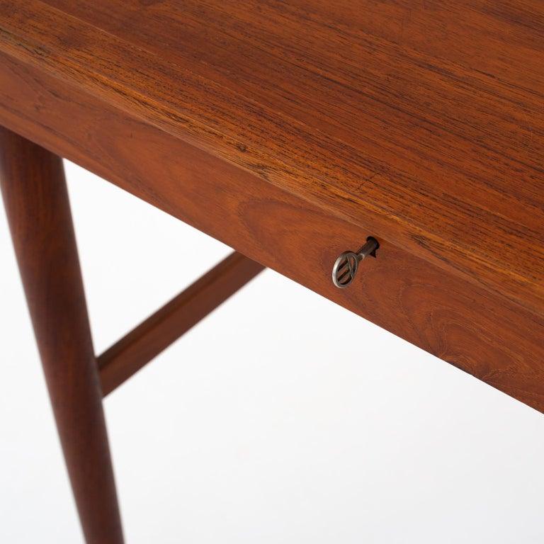 NV 40 Writing Desk in Teak by Finn Juhl For Sale 2