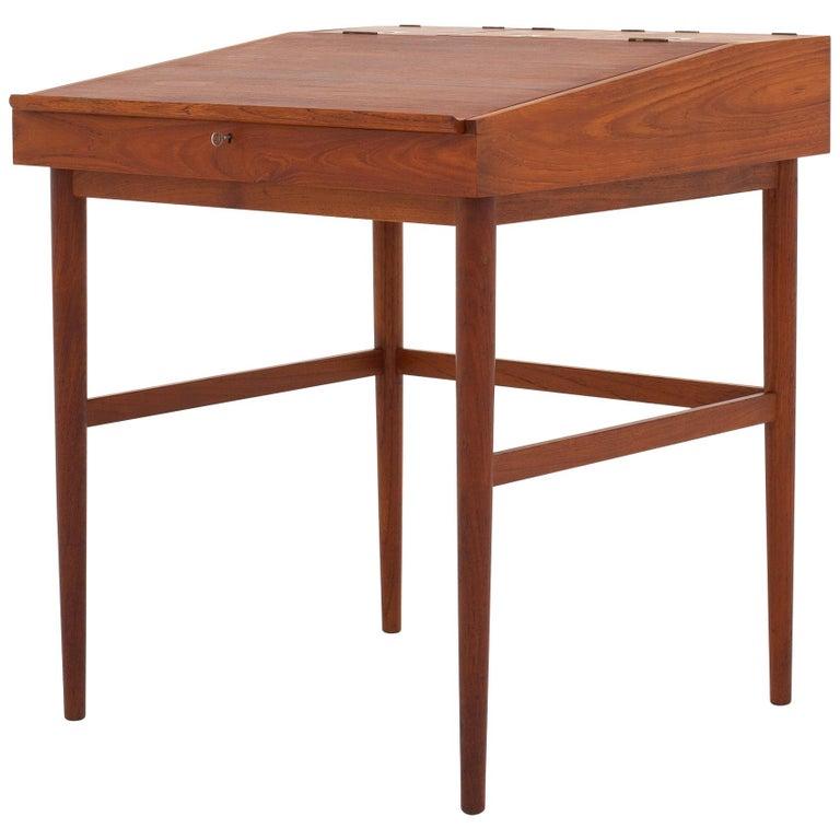 NV 40 Writing Desk in Teak by Finn Juhl For Sale