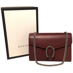 238166bce NWOT Gucci Dionysus Maroon Pebbled Leather Mini Chain Serpent Wallet Clutch  Bag