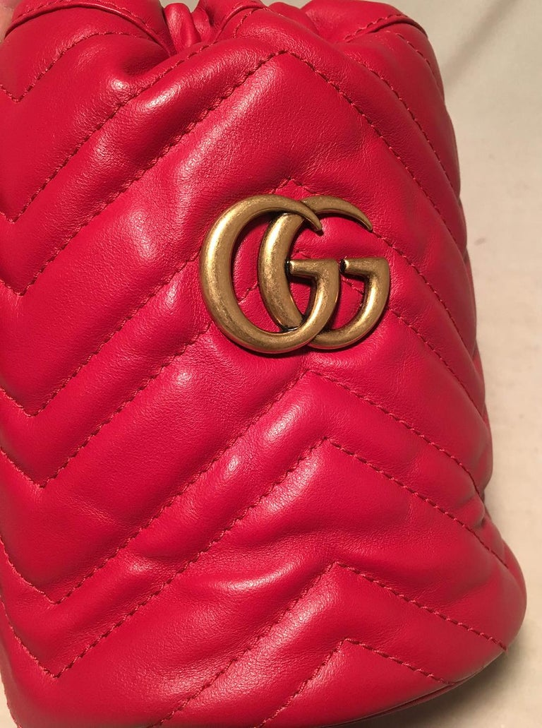 NWOT Gucci GG Marmont Mini Quilted Red Leather Bucket Bag For Sale 1