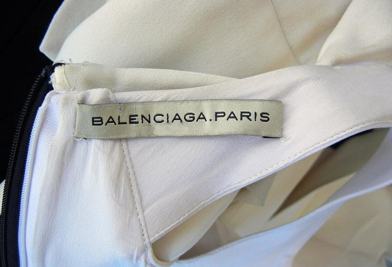 NWT Balenciaga Runway Scuba Dress Lots of Leg -Highly Coveted sz 36 For Sale 2