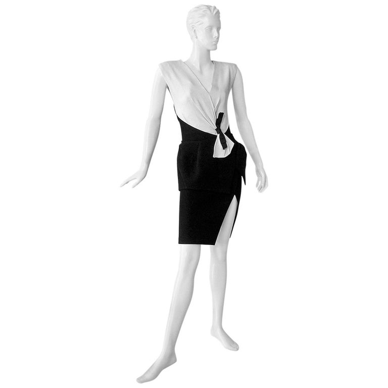 NWT Balenciaga Runway Scuba Dress Lots of Leg -Highly Coveted sz 36 For Sale