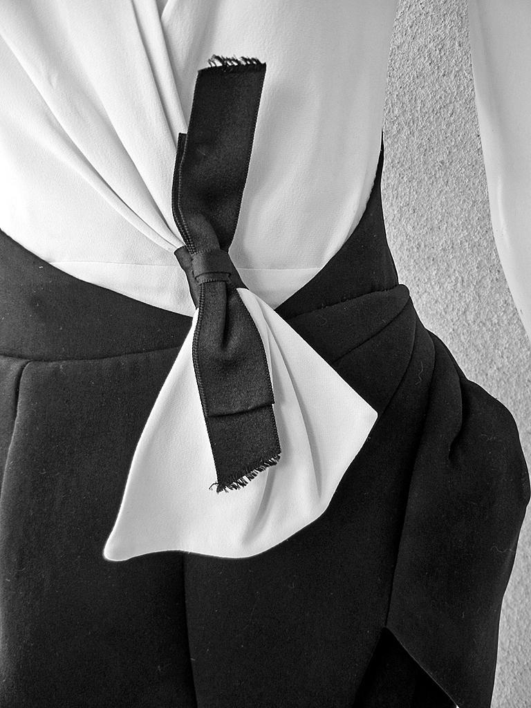 Women's NWT Balenciaga Runway Scuba Dress Lots of Leg -Highly Coveted sz 40 For Sale