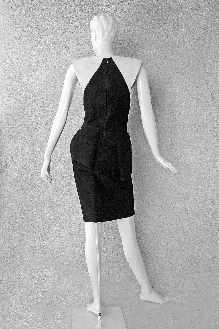 NWT Balenciaga Runway Scuba Dress Lots of Leg -Highly Coveted sz 40 For Sale 1