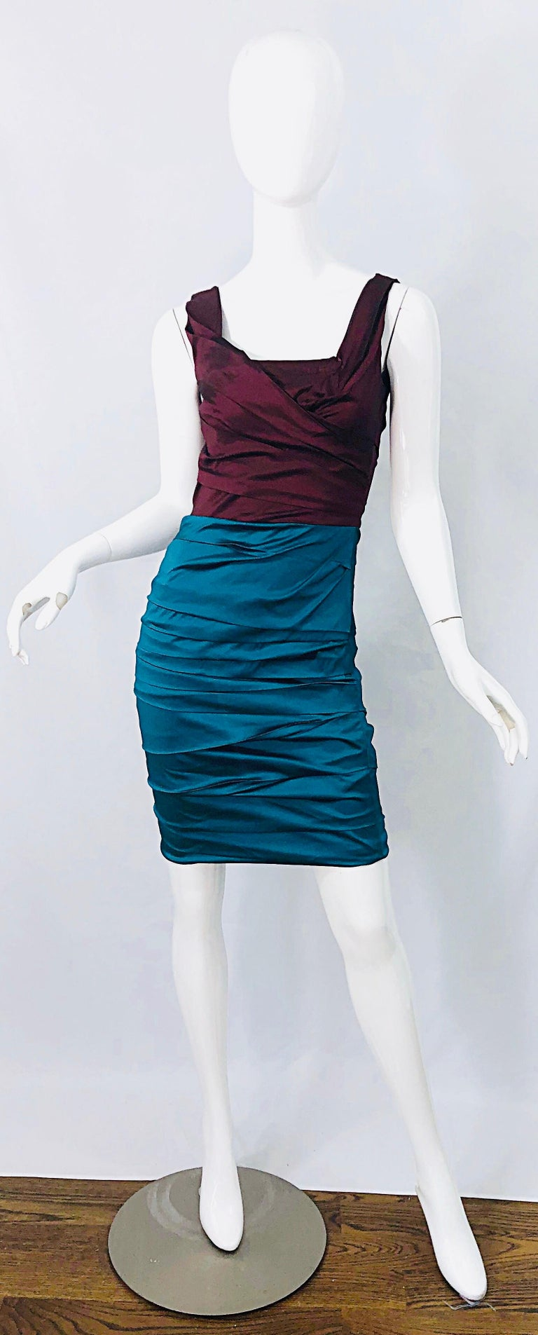 NWT Dolce and Gabbana 1990s Burgundy Turquoise Blue Colorblock Vintage Dress For Sale 7