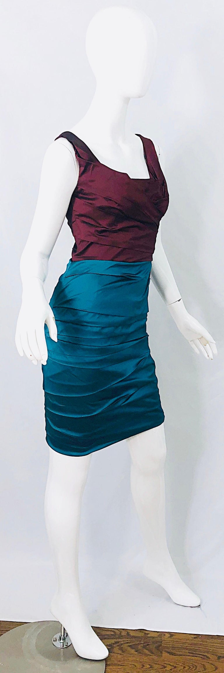 Women's NWT Dolce and Gabbana 1990s Burgundy Turquoise Blue Colorblock Vintage Dress For Sale
