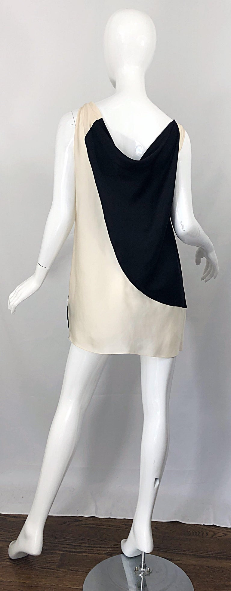 Beige Vintage Donna Karan Runway Collection Black & White Ivory Sz 10 / 12 Tunic Dress For Sale