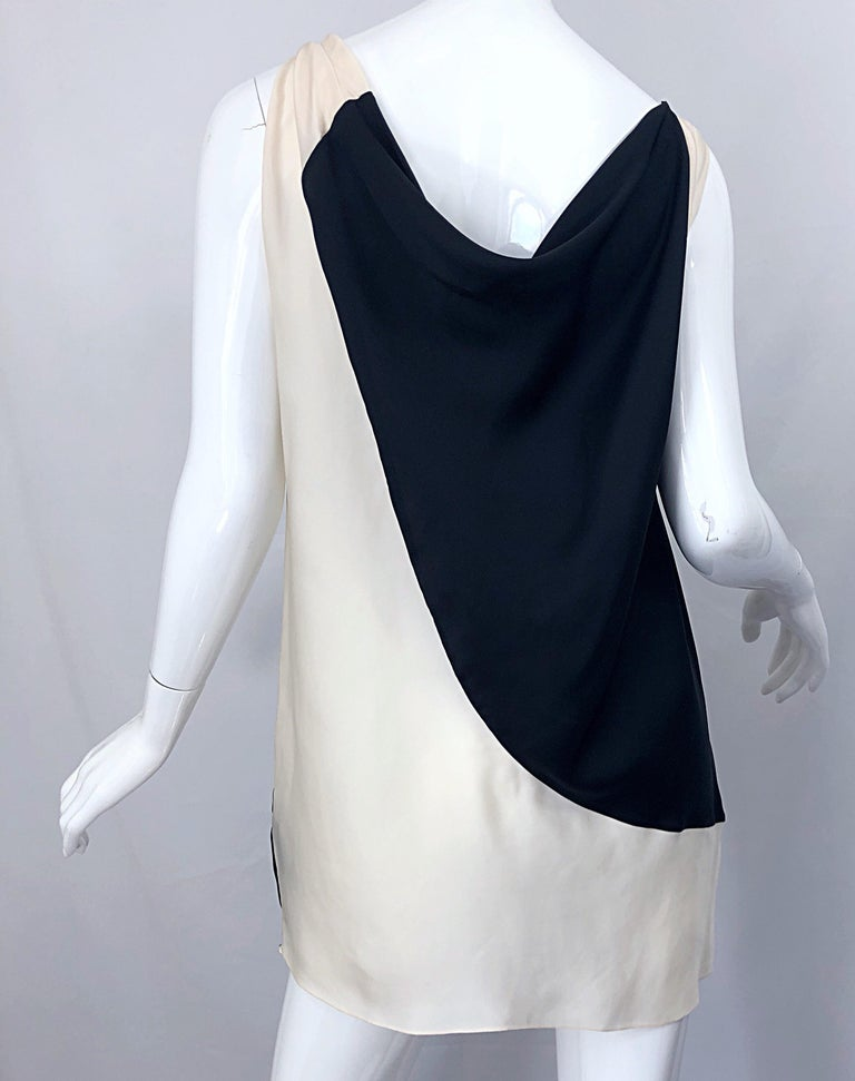 Vintage Donna Karan Runway Collection Black & White Ivory Sz 10 / 12 Tunic Dress For Sale 4