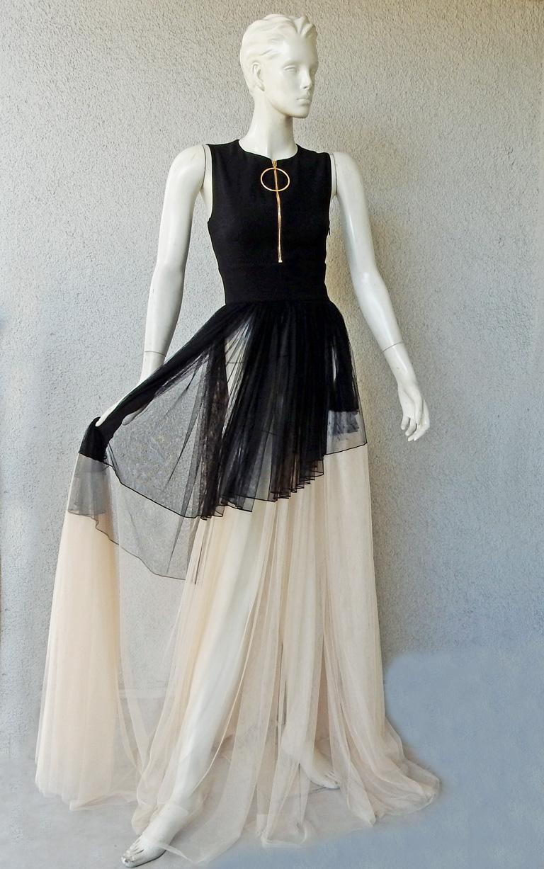 Gray NWT Fausto Puglisi Dramatic Runway Asymmetric Black & White Dress Gown For Sale