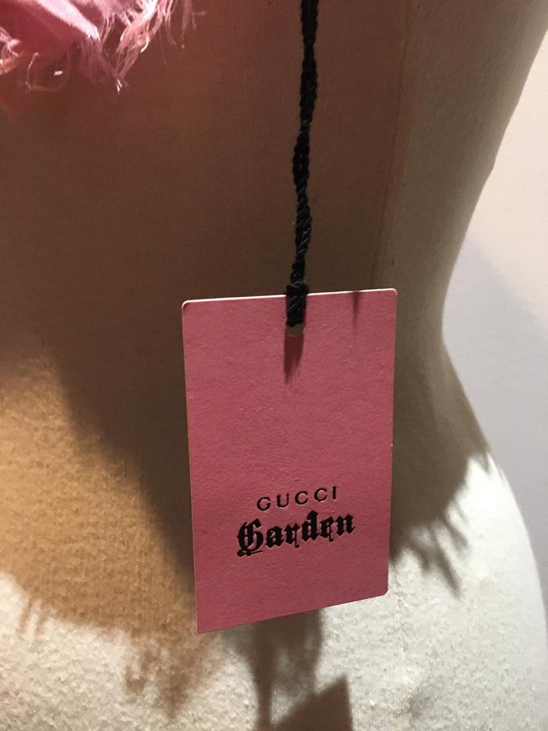NWT Gucci Garden Eye Large Shawl in Pink For Sale 1