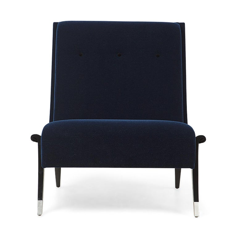 Contemporary Oackland Armchair with Mahogany Structure and High Quality Blue Fabric For Sale