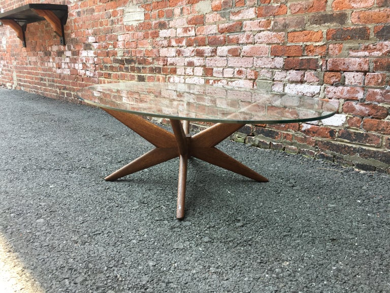 Oak and Glass Starburst Coffee Table In Good Condition For Sale In Garnerville, NY