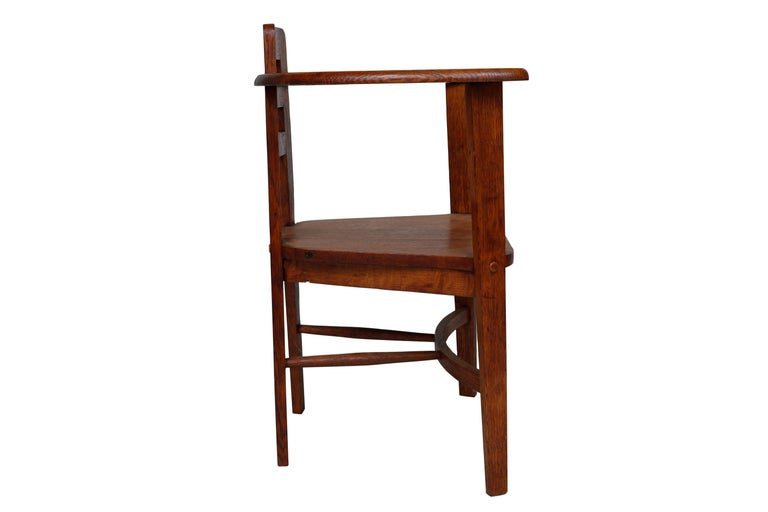 Oak Armchair in the Style of Mackintosh In Good Condition For Sale In Hudson, NY