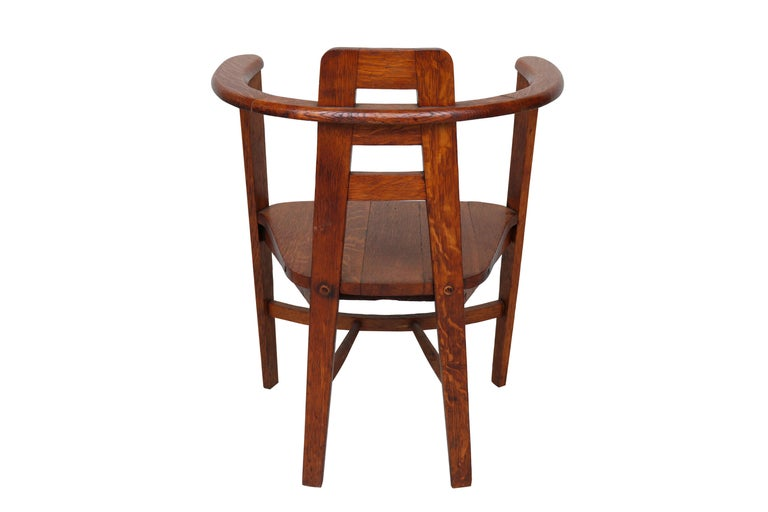 Oak Armchair in the Style of Mackintosh For Sale 1