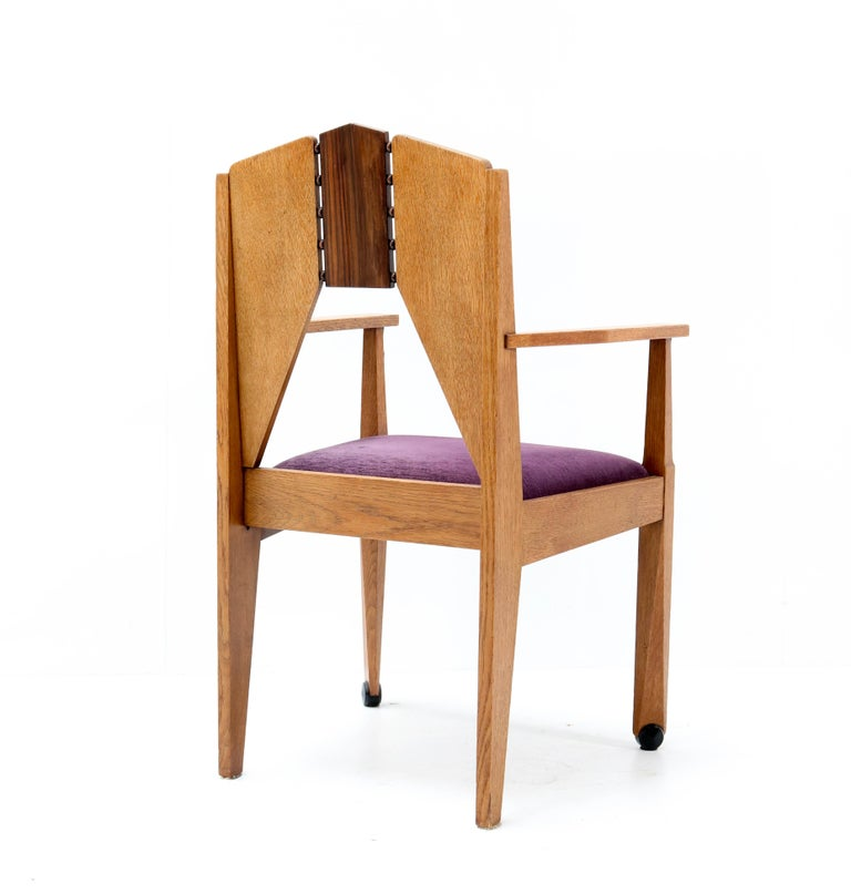 Oak Art Deco Amsterdam School Armchair by J.J. Zijfers Amsterdam, 1920s In Good Condition For Sale In Amsterdam, NL