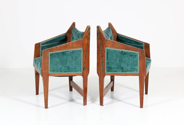 Oak Art Deco Amsterdam School Armchairs by H. van Dorp, 1920s In Good Condition For Sale In Amsterdam, NL