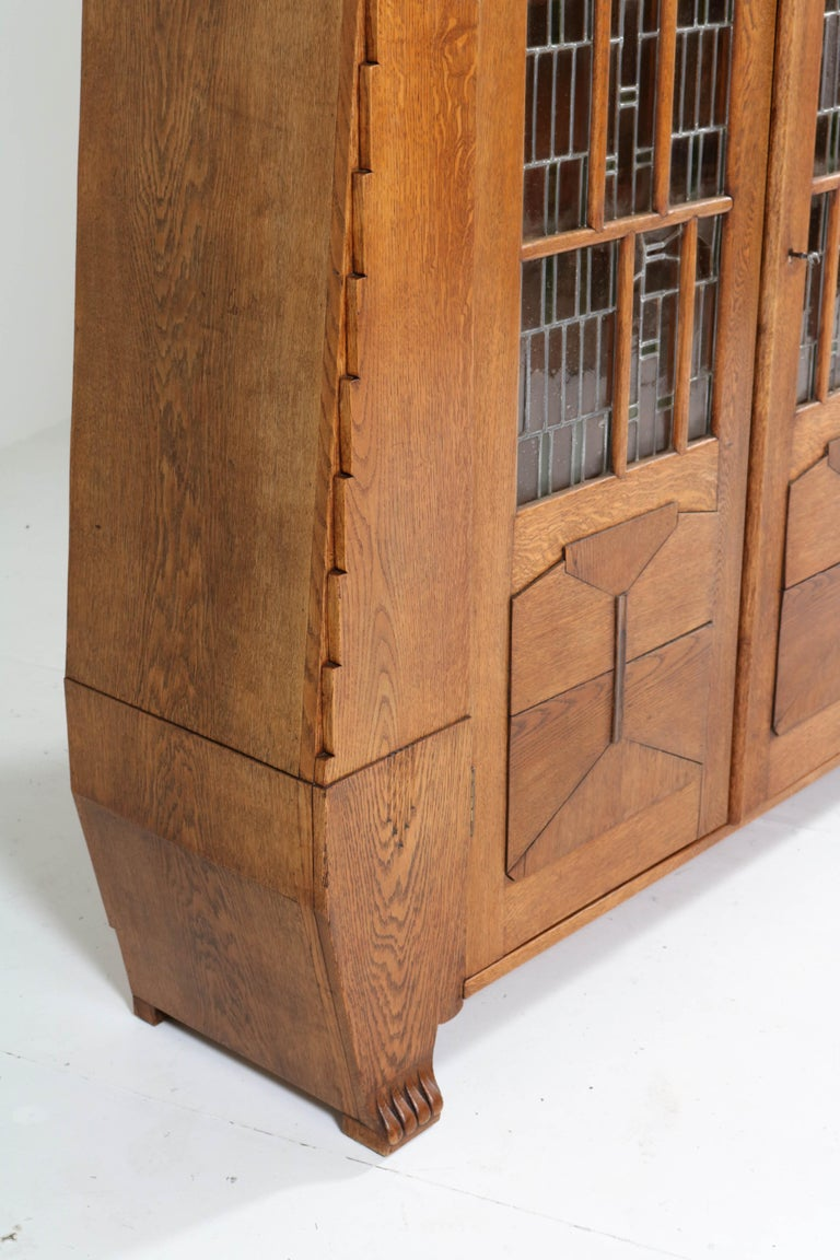 Oak Art Deco Amsterdam School Bookcase with Stained Glass by Hildo Krop, 1918 For Sale 5