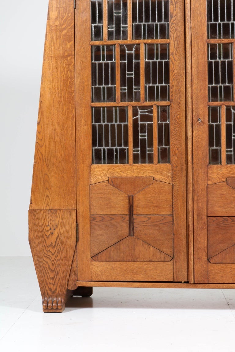 Oak Art Deco Amsterdam School Bookcase with Stained Glass by Hildo Krop, 1918 For Sale 6