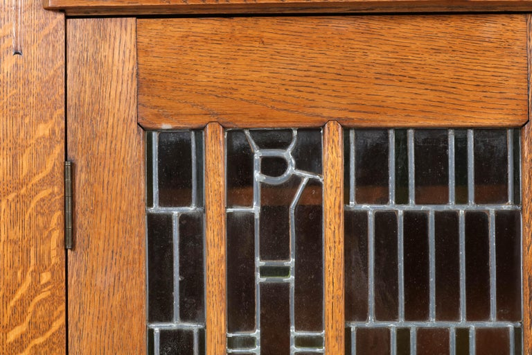 Early 20th Century Oak Art Deco Amsterdam School Bookcase with Stained Glass by Hildo Krop, 1918 For Sale