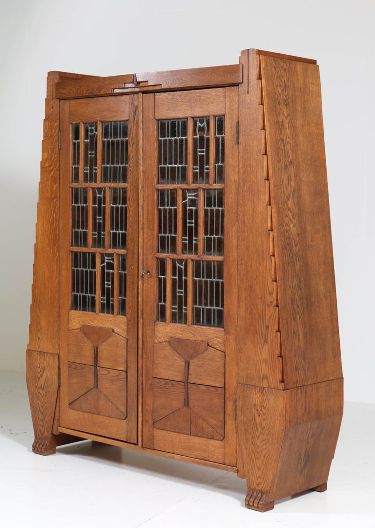 Oak Art Deco Amsterdam School Bookcase with Stained Glass by Hildo Krop, 1918 For Sale 4