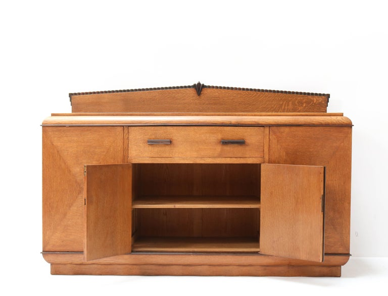 Early 20th Century Oak Art Deco Amsterdam School Credenza or Sideboard by Fa. Drilling Amsterdam For Sale