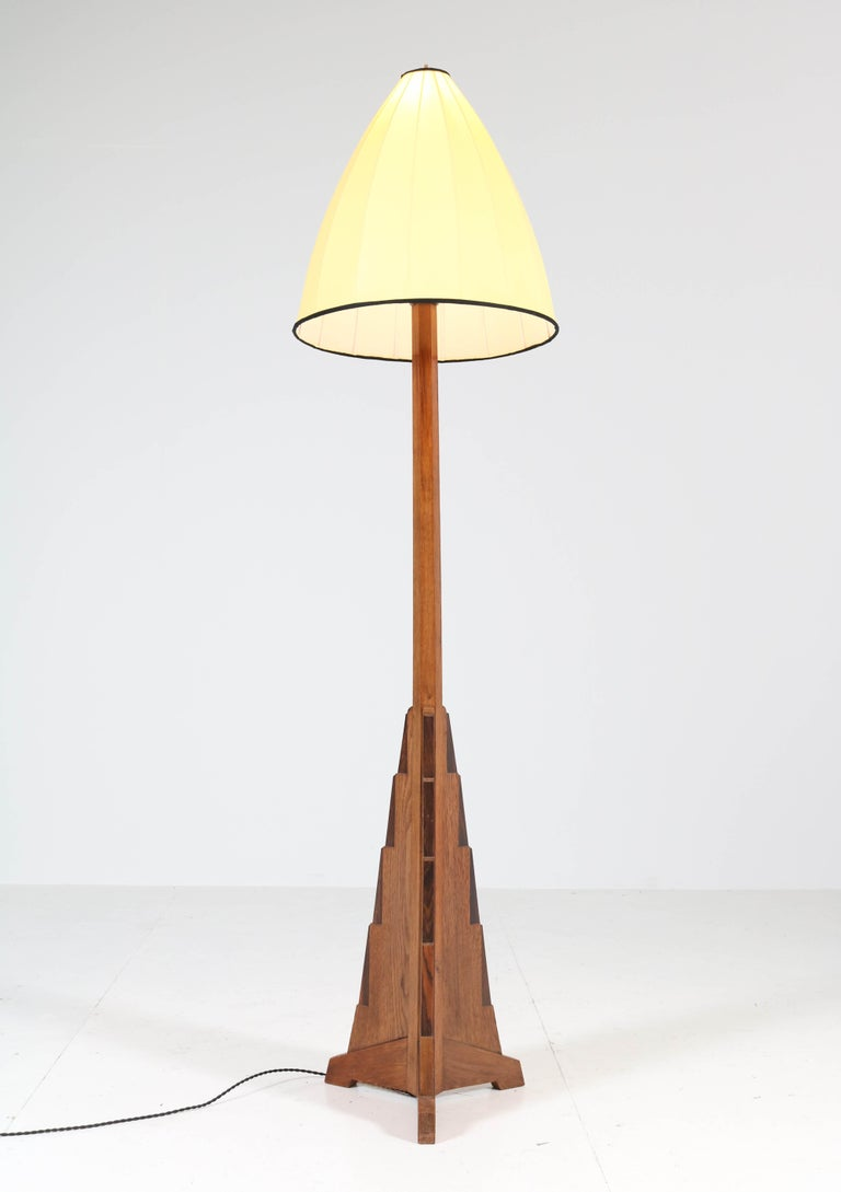 Oak Art Deco Amsterdam School Floor Lamp, 1920s In Good Condition For Sale In Amsterdam, NL