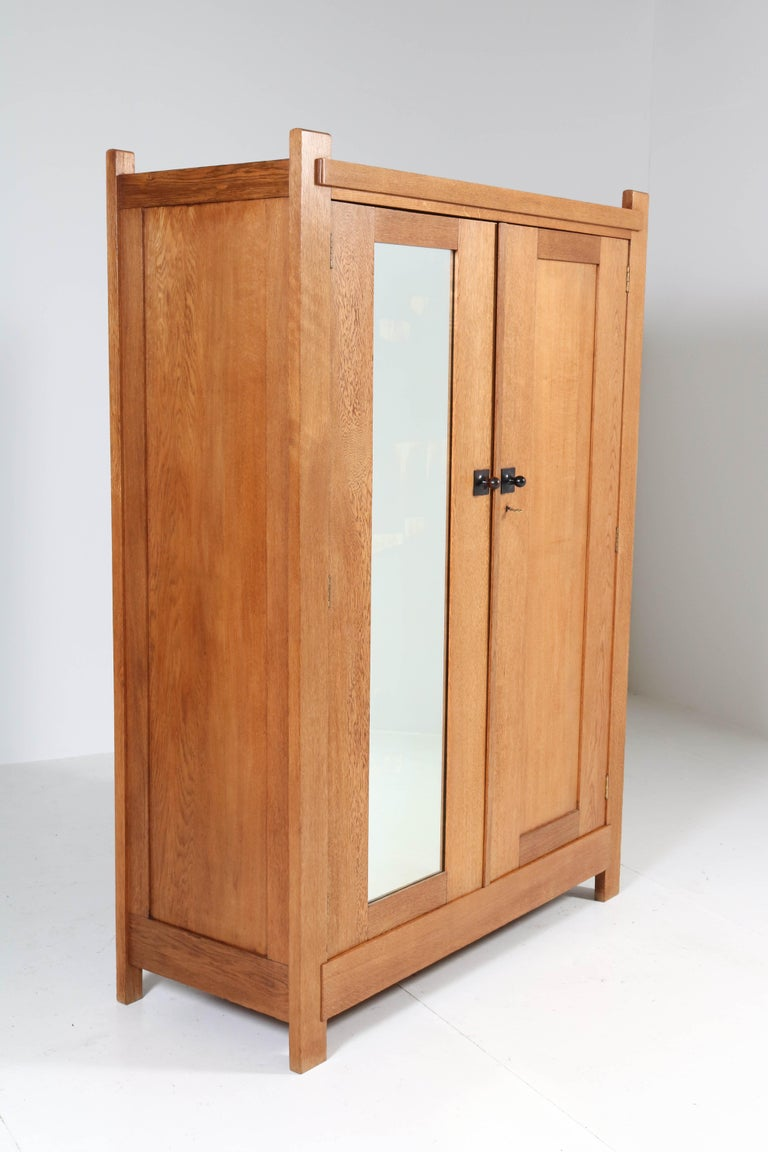 Oak Art Deco Haagse School Armoir or Wardrobe by Henk Wouda for Pander, 1924 In Good Condition For Sale In Amsterdam, NL