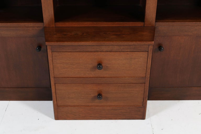 Oak Art Deco Haagse School Bookcase, 1920s In Good Condition For Sale In Amsterdam, NL