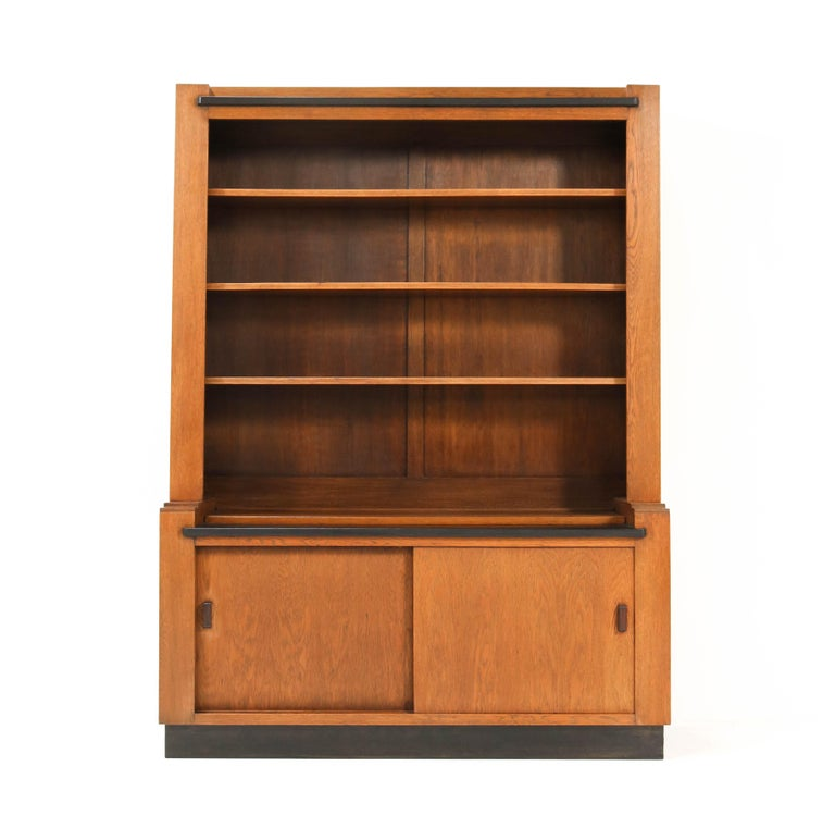 Dutch Oak Art Deco Haagse School Bookcase by Cor Alons for L.O.V. Oosterbeek, 1920s For Sale