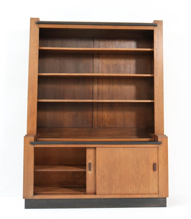 Early 20th Century Oak Art Deco Haagse School Bookcase by Cor Alons for L.O.V. Oosterbeek, 1920s For Sale