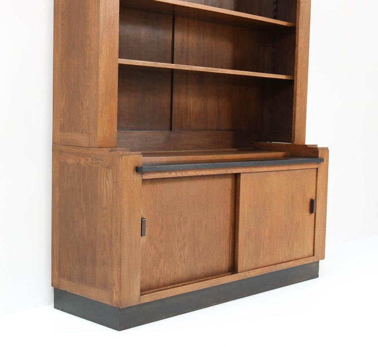 Oak Art Deco Haagse School Bookcase by Cor Alons for L.O.V. Oosterbeek, 1920s For Sale 2