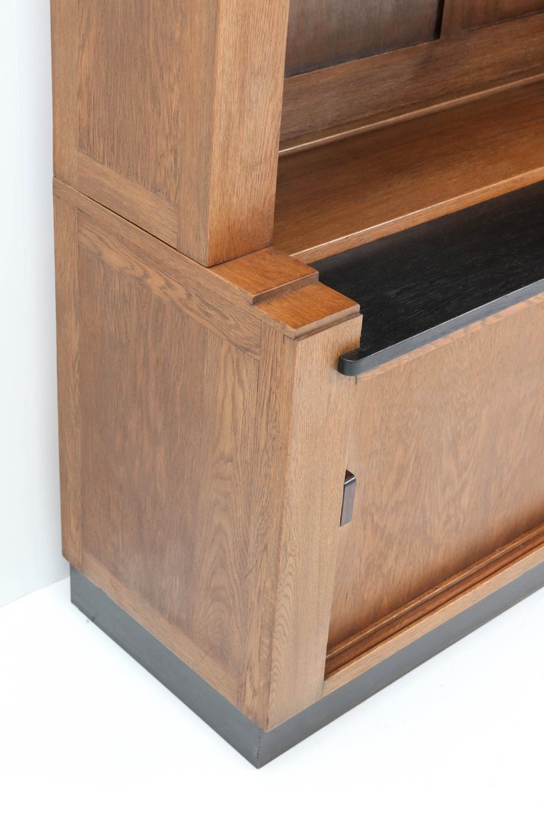 Oak Art Deco Haagse School Bookcase by Cor Alons for L.O.V. Oosterbeek, 1920s For Sale 3