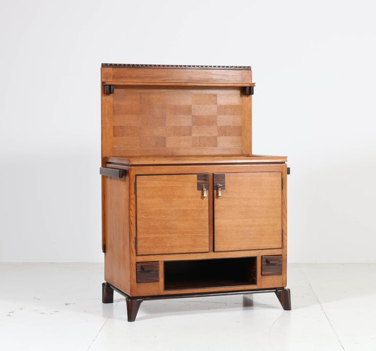 Oak Art Deco Haagse School Serving Cabinet by Anton Lucas, 1920s In Good Condition For Sale In Amsterdam, NL