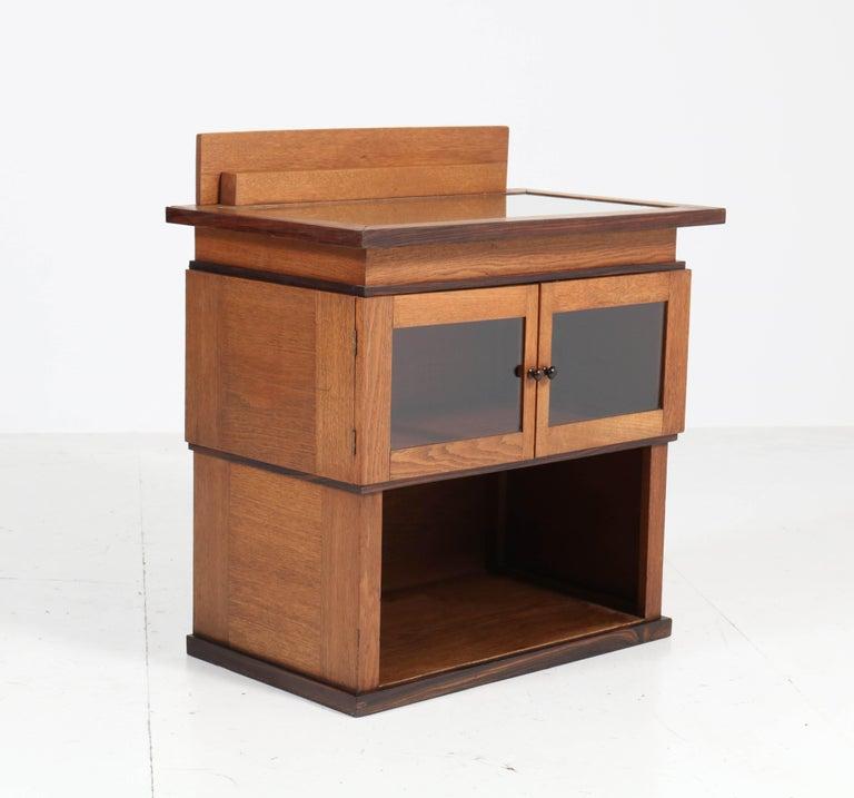 Oak Art Deco Haagse School Tea Cabinet by P.E.L. Izeren for Genneper Molen In Good Condition For Sale In Amsterdam, NL