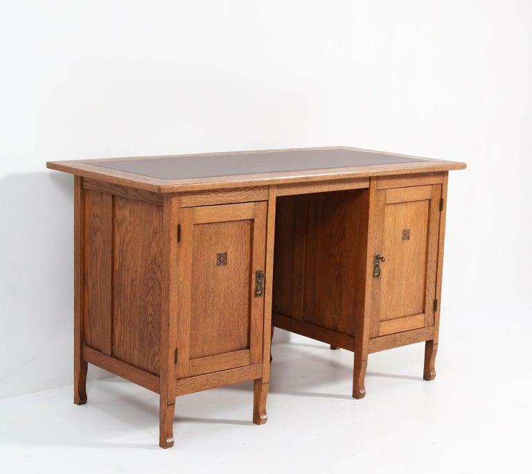 Early 20th Century Oak Art Nouveau Arts & Crafts Pedestal Desk, 1900s For Sale