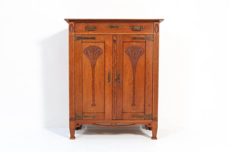 Early 20th Century Oak Arts & Crafts Art Nouveau Cabinet, 1900s For Sale