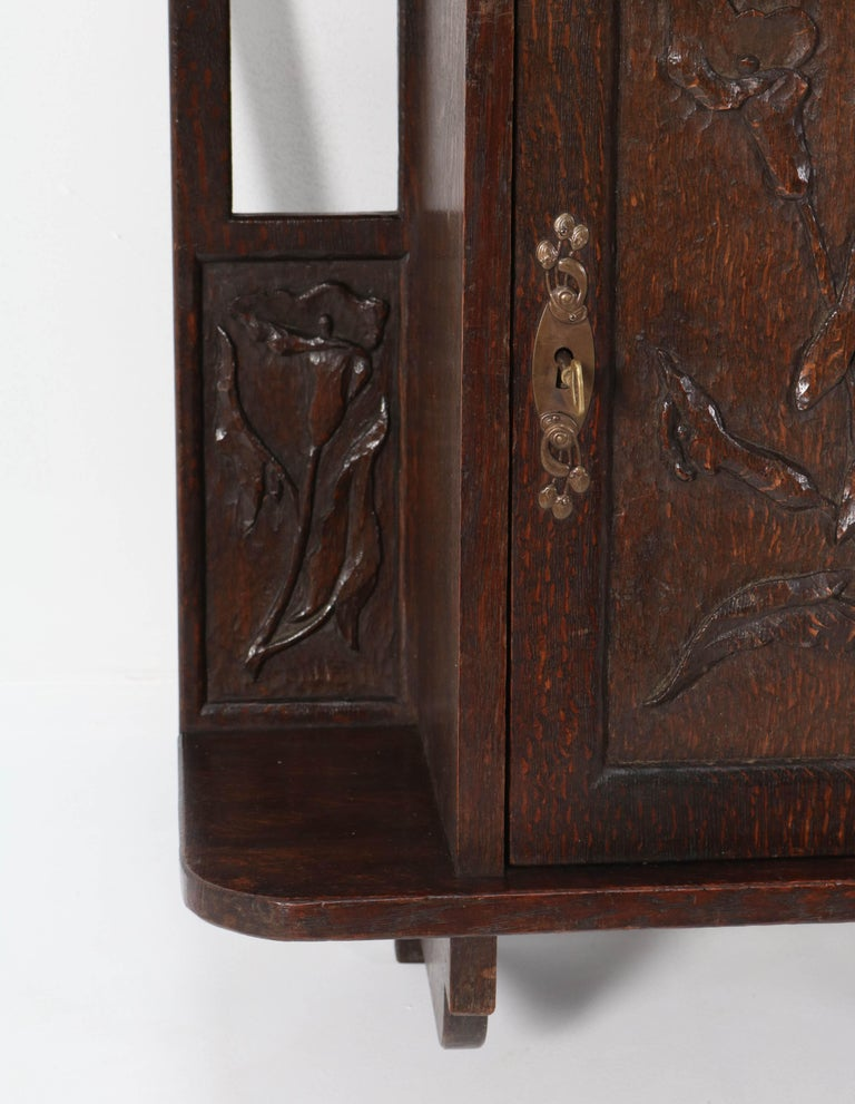 Oak Arts & Crafts Art Nouveau Wall Cabinet with Calla Lilies, 1900s For Sale 1