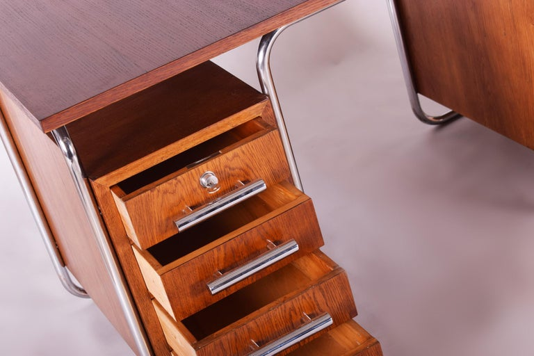 Oak Bauhaus Chrome Writing Desk by Thonet, Good Condition and Patina, 1930s In Good Condition For Sale In Prague 1, CZ