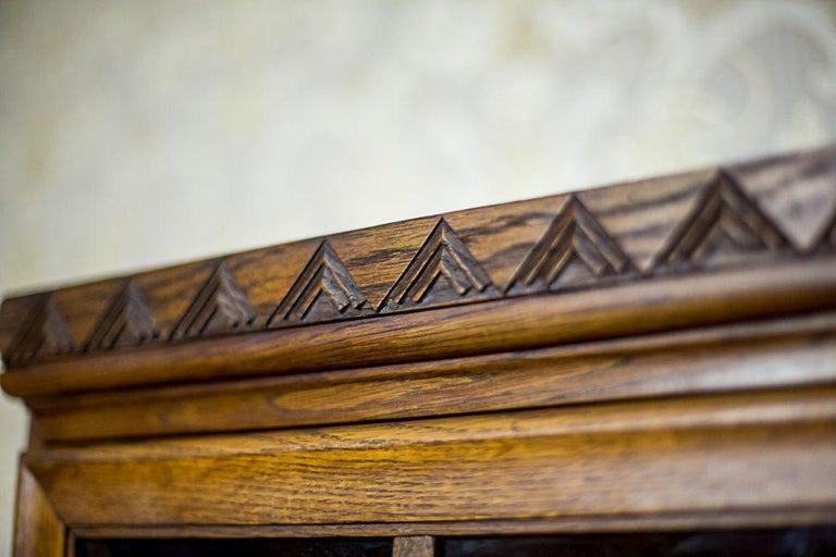 Oak Bookcase from the Interwar Period For Sale 5